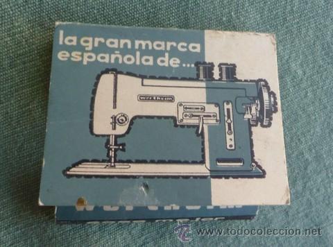 Antigüedades: caja cartón tipo cerillero con aperos de la maquina de coser wertehim - Foto 3 - 40677282