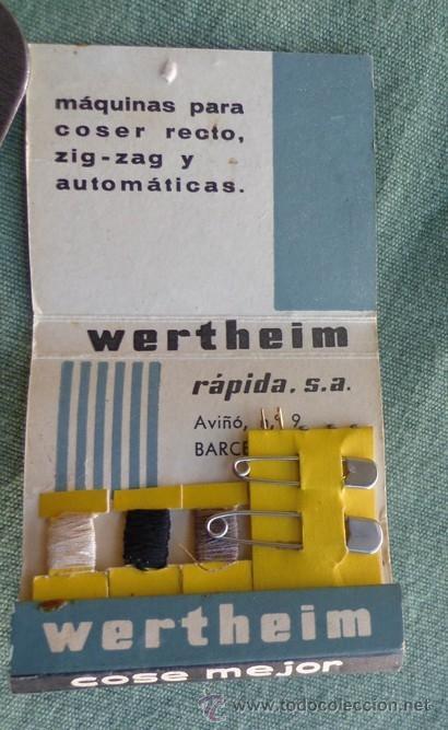 Antigüedades: caja cartón tipo cerillero con aperos de la maquina de coser wertehim - Foto 5 - 40677282