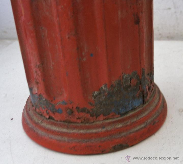 Antigüedades: molinillo de cafe redondo de hojalata / chapa y madera , con restos de oxido (20cm de alto aprox) - Foto 2 - 40706586