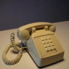 Teléfonos: TELÉFONO VINTAGE TECLADO. FUNCIONA. AÑOS 70-80. Lote 40847991