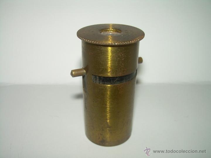 ANTIGUO Y PEQUEÑO MICROSCOPIO DE CAMPO.....SIGLO XIX. (Antigüedades - Técnicas - Instrumentos Ópticos - Microscopios Antiguos)