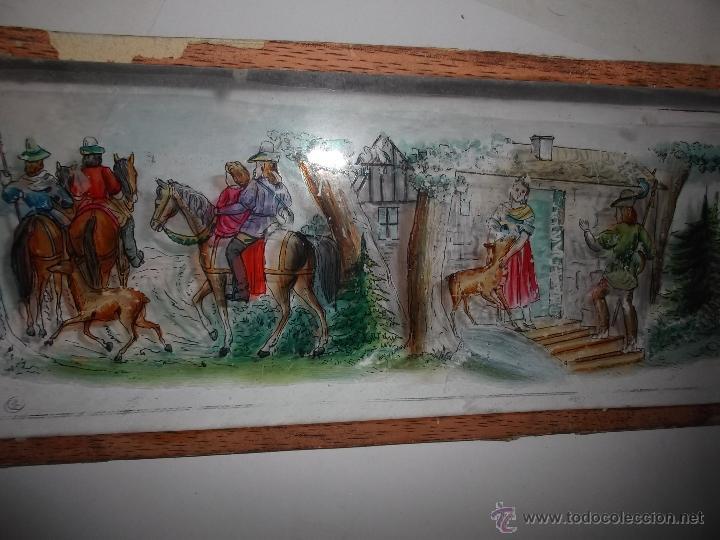 Antigüedades: LINTERNA MAGICA LOTE CRISTAL CON ESCENA DE CAZA, DOS CRISTALES 38 Y 32 CM SIGLO XIX- - Foto 5 - 40930131