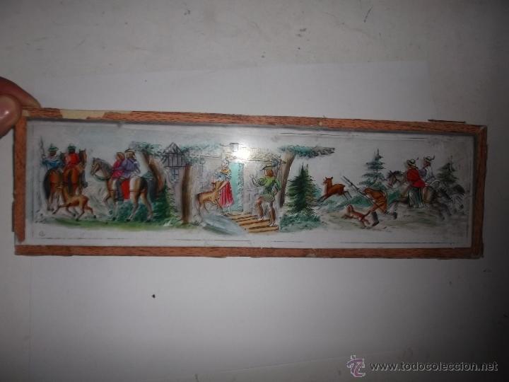 Antigüedades: LINTERNA MAGICA LOTE CRISTAL CON ESCENA DE CAZA, DOS CRISTALES 38 Y 32 CM SIGLO XIX- - Foto 7 - 40930131