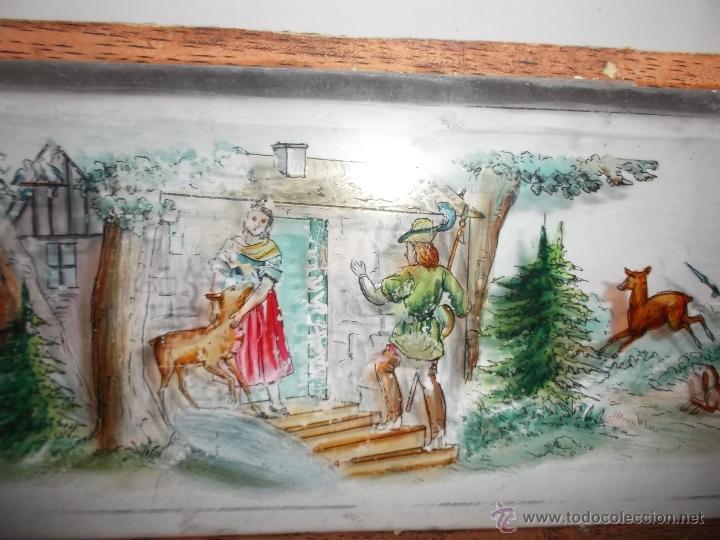Antigüedades: LINTERNA MAGICA LOTE CRISTAL CON ESCENA DE CAZA, DOS CRISTALES 38 Y 32 CM SIGLO XIX- - Foto 8 - 40930131