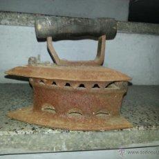Antigüedades: ANTIGUA PLANCHA QUE SE ABRE. Lote 40965245