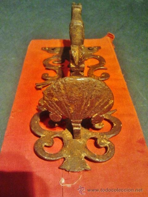 Antigüedades: Tirador de pestillo de hierro forjado del s. XVII. - Foto 3 - 41016482