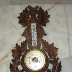 Antigüedades: BONITO BAROMETRO TERMOMETRO DE PARED. ANTIGUO. TALLA DE MADERA.. Lote 41139540