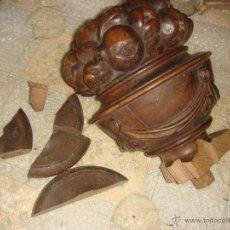 Antigüedades: ANTIGUO COPÓN DE MADERA TALLADA PARA PIE DE ESCALERAS / AÑOS 10 / MODERNISTA. Lote 41147012