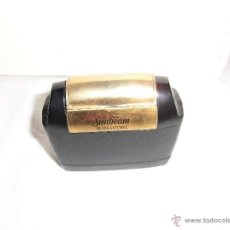 Antigüedades: ANTIGUA MAQUINA DE AFEITAR ELECTRICA SUNBEAM BLADE-ELECTRIC . Lote 41286830