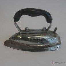 Antigüedades: ANTIGUAS Y PEQUEÑAS PLANCHAS ELÉCTRICAS AÑOS 40/50. Lote 41315512