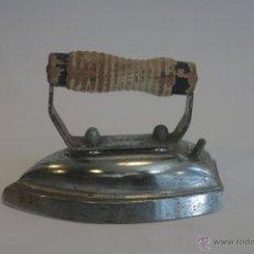 Antigüedades: ANTIGUAS Y PEQUEÑAS PLANCHAS ELÉCTRICAS AÑOS 40/50. Lote 41315543