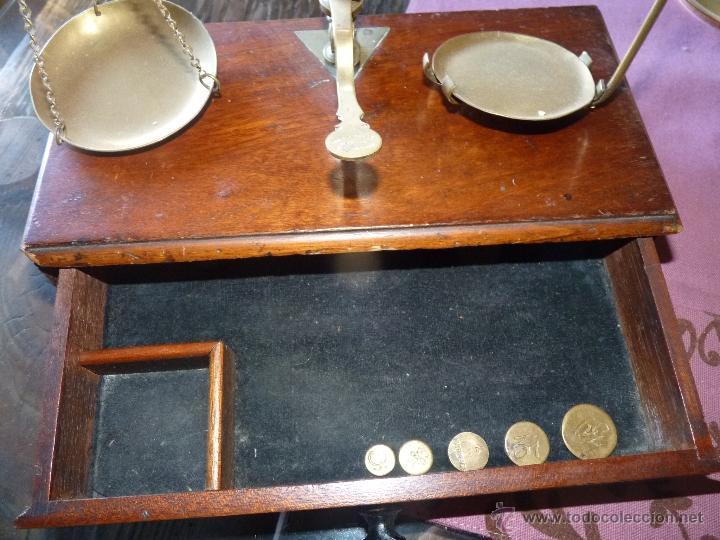 Antigüedades: PRECIOSA BALANZA JOYERO CON CAJA Y PESAS, SIGLO XIX - Foto 5 - 41319227