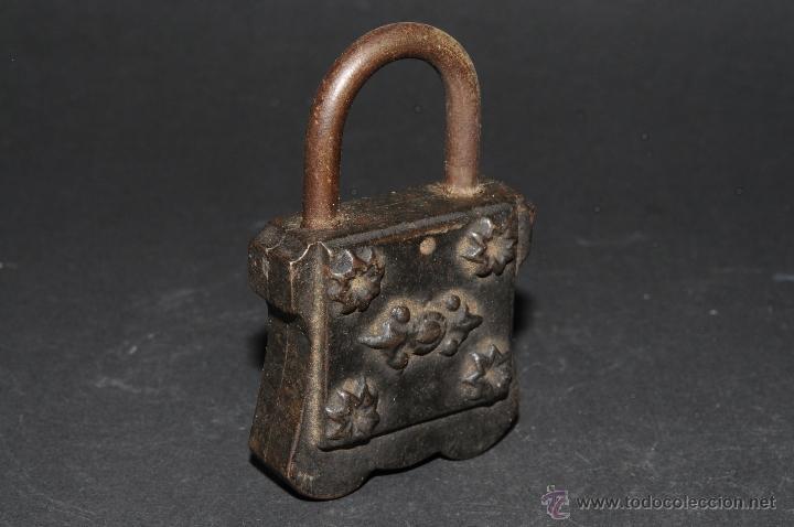 Antigüedades: ANTIGUO CANDADO EN HIERRO FORJADO - Foto 4 - 41339684