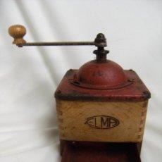 Antigüedades: MOLINILLO DE CAFÉ ANTIGUO DE MADERA. MARCA ELMA. Lote 41448342