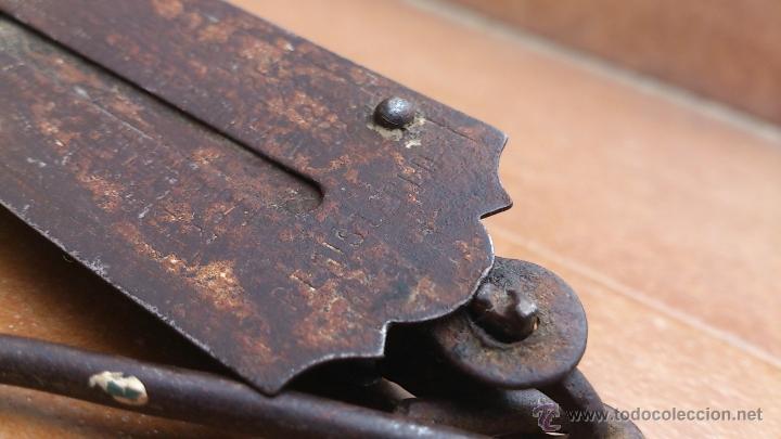 Antigüedades: antigua bascula de bolsillo - pocket balance - pesa hasta 26 kgs - Foto 6 - 41560400