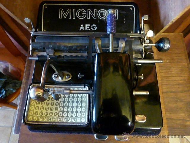 ANTIGUA MAQUINA DE ESCRIBIR MIGNON Nº4 CON SU MALETA DE MADERA ORIGINAL Y FUNCIONANDO (Antigüedades - Técnicas - Máquinas de Escribir Antiguas - Mignon)
