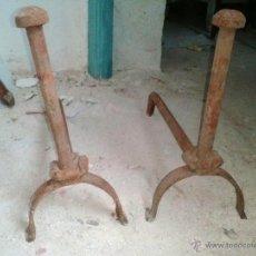 Antigüedades: MORILLOS DE HIERRO. Lote 41709622