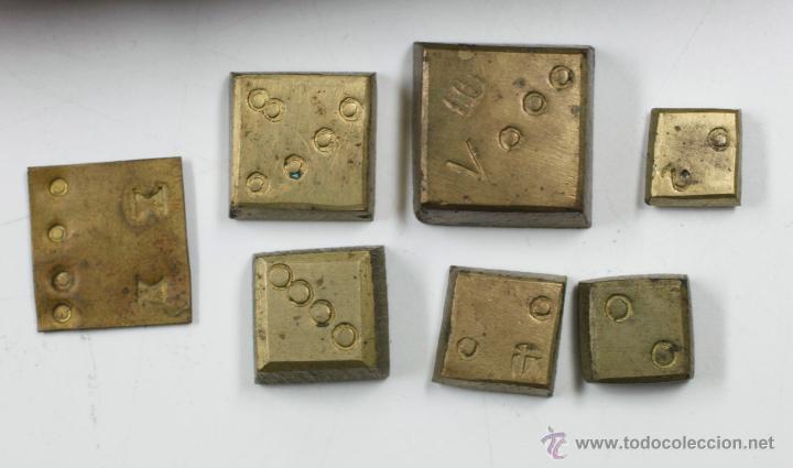 Antigüedades: BALANZAS DE PRECISIÓN Y PESAS ANTIGUAS EN ESTUCHE DE 17 CM DE LARGO, VER FOTOS. - Foto 2 - 41873371