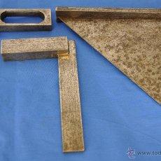 Antigüedades: TRES ESCUADRAS DE HIERRO.. Lote 42089249