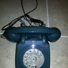 Teléfonos: TELÉFONO DE BAQUELITA COLOR AZUL. COLOR MUY RARO Y DIFÍCIL DE CONSEGUIR.. Lote 195719681