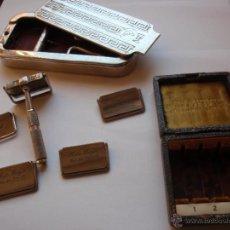 Antigüedades: SET COMPLETO DE MAQUINILLA DE AFEITAR Y AFILADOR ROLLS RAZOR. MAD IN ENGLAND. Lote 42183917