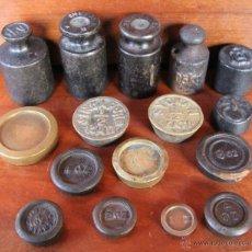 Antigüedades: MAGNIFICA COLECCION DE 16 ANTIGUAS PESAS ALGUNAS HIERRO OTRAS BRONCE - COLECCIONISTAS. Lote 42193181