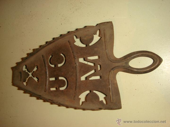 Antigüedades: ANTIGUA PLANCHA Y PIE DE PLANCHA DE HIERRO. T B. nº 6 - Foto 3 - 42408232