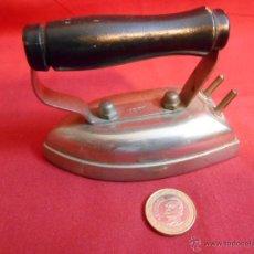 Antigüedades: ANTIGUA PLANCHA ELECTRICA PEQUEÑA - 125V-. Lote 42511918