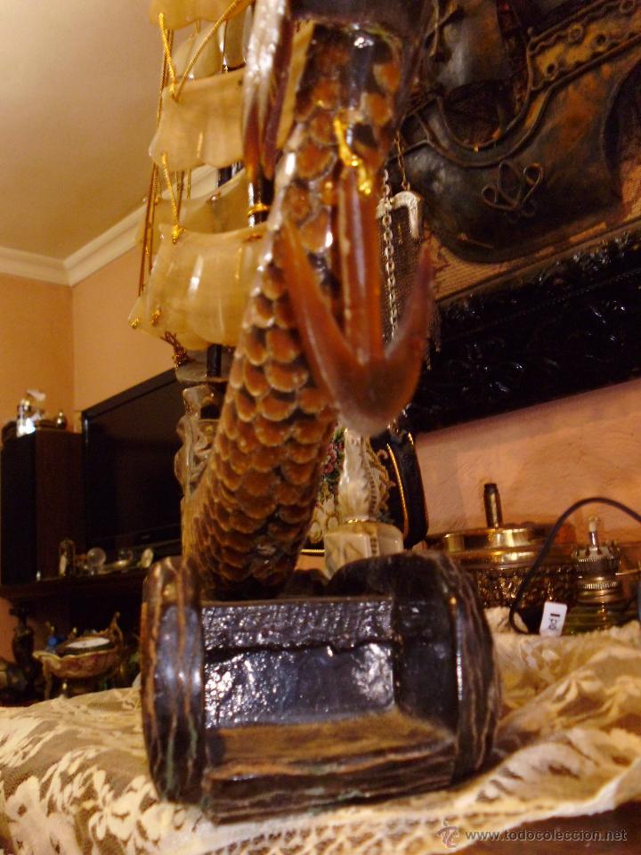 Antigüedades: ANTIGUO BARCO CHINO CON DRAGON EN CAREY O SIMILAR PIE EN MADERA - Foto 3 - 42549357