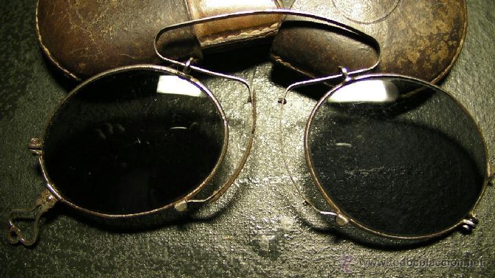 Antigüedades: GAFAS DE SOL PLEGABLES CON FUNDA DE PIEL - Foto 2 - 42564790