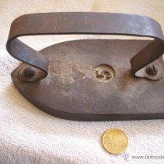 Antigüedades: PLANCHA LISA Nº 5 DE HIERRO MAZIZA.. Lote 42572162