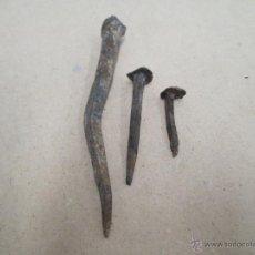 Antigüedades: 3 ANTIGUOS CLAVOS DE FORJA.. Lote 42621351