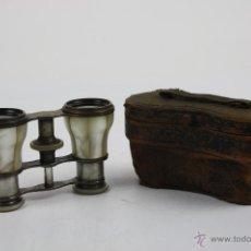 Antigüedades: BINOCULARES EN METAL Y NÁCAR - FUNDA ORIGINAL - PRINCIPIOS S.XX. Lote 42665714