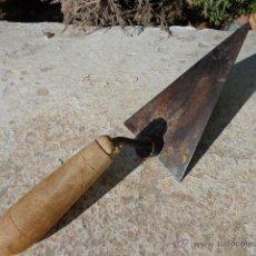 Antigüedades: ANTIGUA PALETA O PALETINA DE ALBAÑIL . Lote 42752571