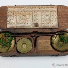 Antigüedades: BALANZAS ANTIGUAS EN ESTUCHE TAMAÑO 17,5 CM DE LARGO, VER FOTOS.. Lote 42789104