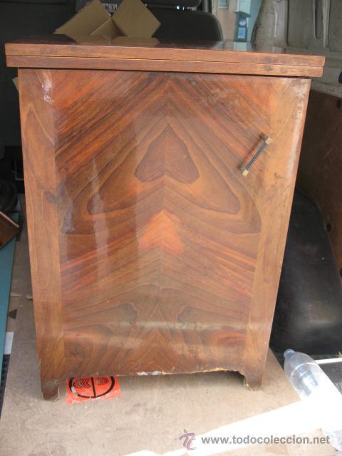 Antigüedades: Maquina de coser sigma - Estarta y ecenarro Egoibar - con mueble de madera- con caja repuestos - Foto 2 - 42799195
