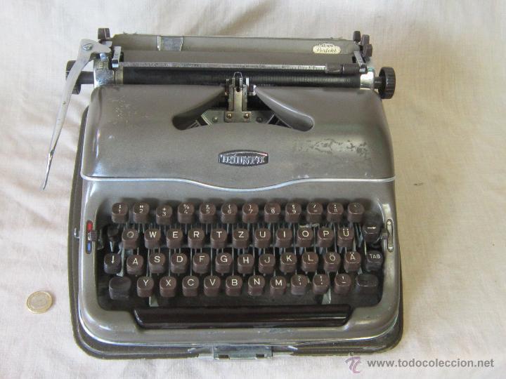 MAQUINA DE ESCRIBIR ANTIGUA TRIUMPH (Antigüedades - Técnicas - Máquinas de Escribir Antiguas - Triumph)