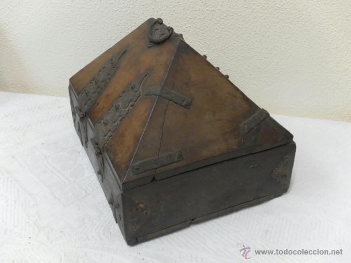 Antigüedades: Caja con Herrajes. Siglo XV / XVI. - Foto 4 - 42853211