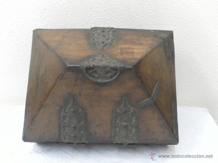 Antigüedades: Caja con Herrajes. Siglo XV / XVI. - Foto 5 - 42853211