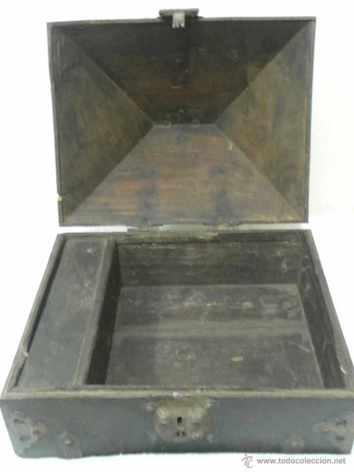 Antigüedades: Caja con Herrajes. Siglo XV / XVI. - Foto 13 - 42853211