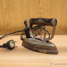 Antigüedades: ANTIGUA PLANCHA ELECTRICA AÑOS 60. Lote 42860684