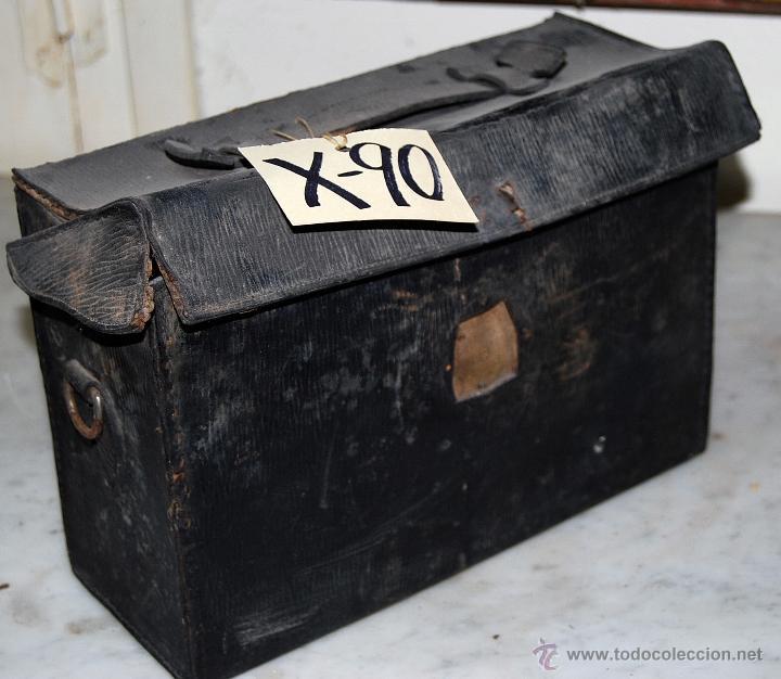 CAJA CÁMARA EN PIEL, XXX-090 (Antigüedades - Técnicas - Aparatos de Cine Antiguo - Cámaras de Super 8 mm Antiguas)