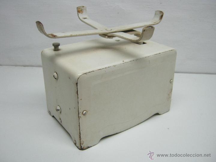 Antigüedades: Vintage fabricado en españa - bascula o balanza Jenny 2 Kg. - Chapa metal - Foto 4 - 43040242