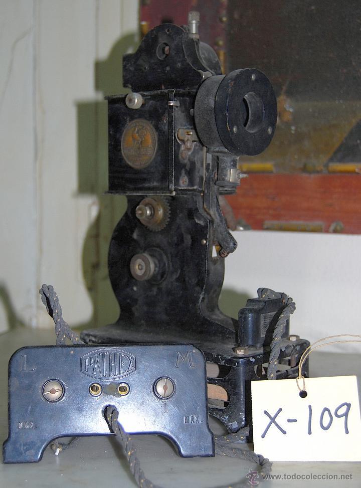 PROYECTOR CINEMATOGRÁFICO PATHE-BABY - 109 (Antigüedades - Técnicas - Aparatos de Cine Antiguo - Proyectores Antiguos)