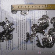 Antigüedades: LOTE DE 50 TACHUELAS ( 25 DE CADA MODELO) PARA PROTECCION DELANTERA DE ABARCAS MADREÑAS +-1940/50. Lote 115646188