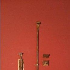 Antigüedades: JUEGO DE PESTILLOS 2. Lote 43194196