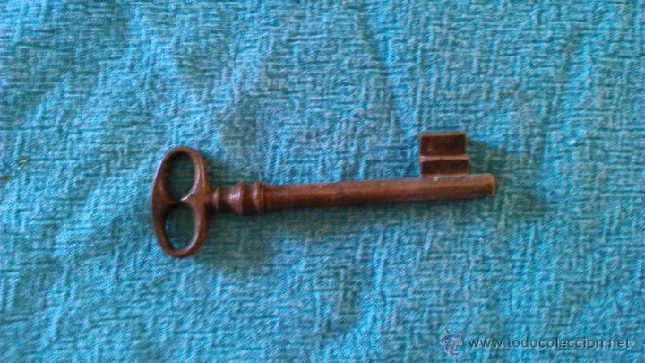 Antigüedades: Llave antigua para puertas antiguas hierro maciza. - Foto 2 - 43297359
