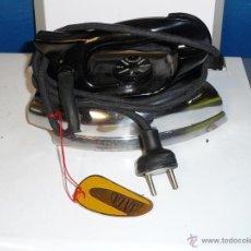 Antigüedades: PLANCHA ELECTRICA JATA MOD. 480 125 V. - NUEVA A ESTRENA ANOS 60/70. Lote 43306580