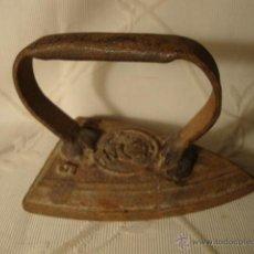 Antigüedades: ANTIGUA PLANCHA EN HIERRO COLADO, ES DE F.F. S.XIX, HACIA 1875. Lote 43319418
