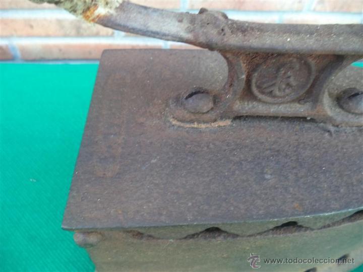 Antigüedades: plancha de carbon antigua - Foto 2 - 43375877